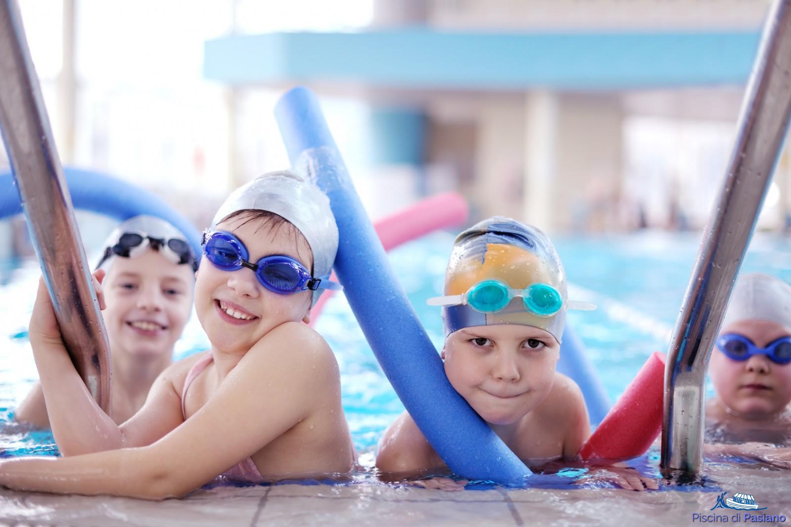 d3253332ed Corso di nuoto per ragazzi · Corso scuola nuoto per bambini ...